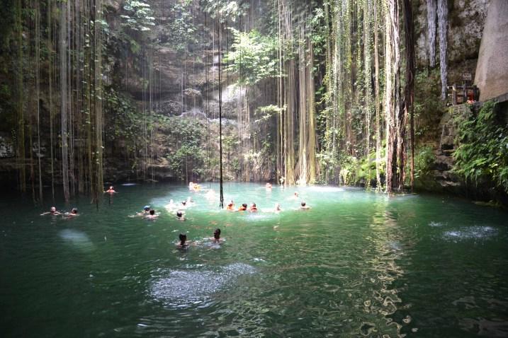 Ik Kil Cenote - Swimmers